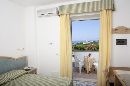 hotel-terme-tramontodoro-ischia-camera3